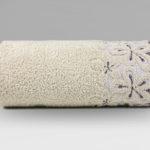 ręczniki kąpielowe w kolorze bezowym