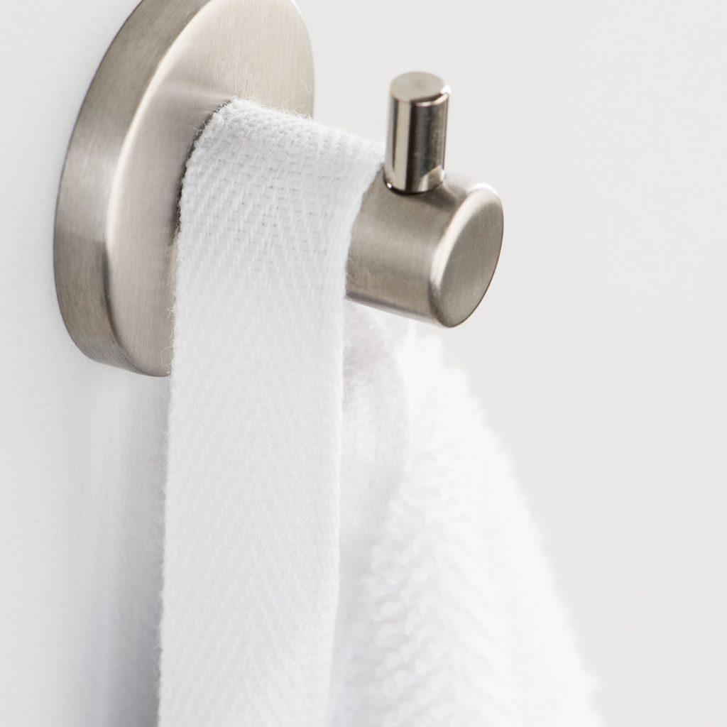 ręcznik hotelowy z wieszaczkiem